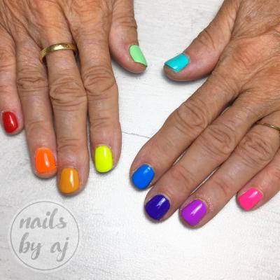 gekleurde gelnagels kunstnagels nagelsalon zwolle